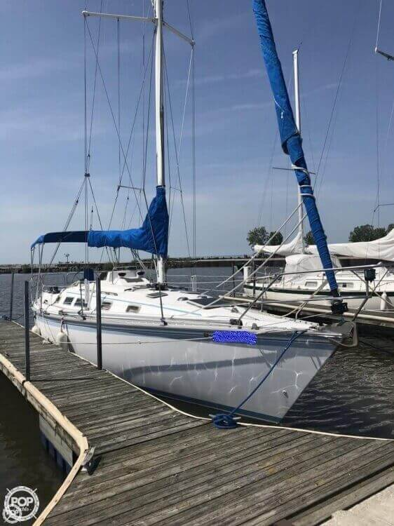 Hunter 34 1983 Hunter 34 for sale in Lorain, OH