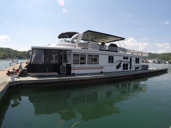 Fantasy Houseboat 16 x 69 Widebody