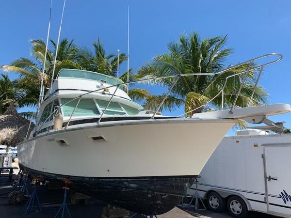 Bertram 35 sport fisherman 35 Bertram