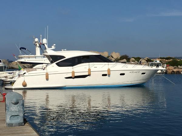 Tiara Yachts 5800 Sovran Tiara 5800 Sovran