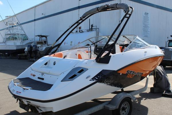 Sea-Doo Challenger 180SP