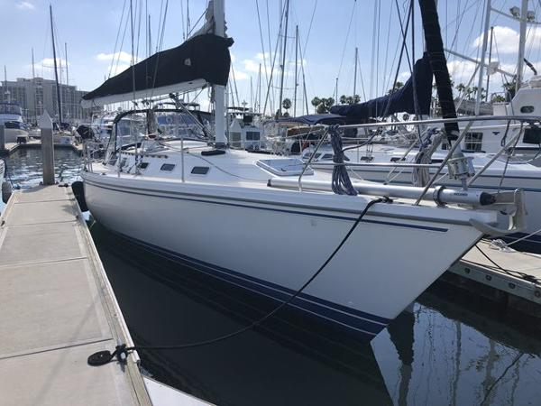 Catalina 42 Mk I Dockside