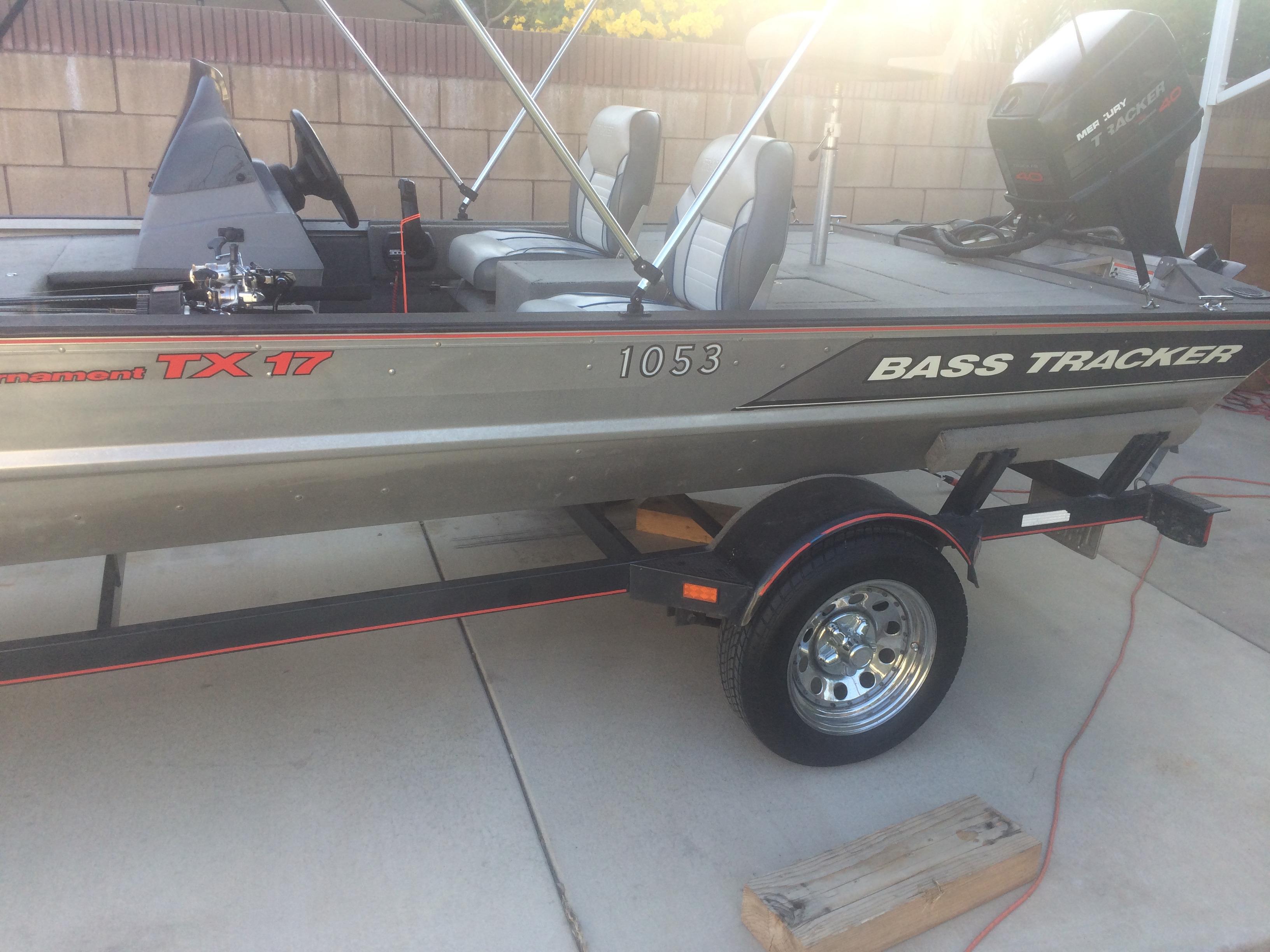 Tracker Tournament TX-17