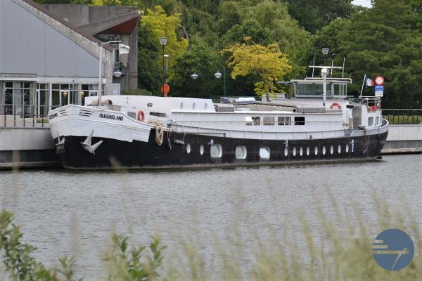 Houseboat Mory