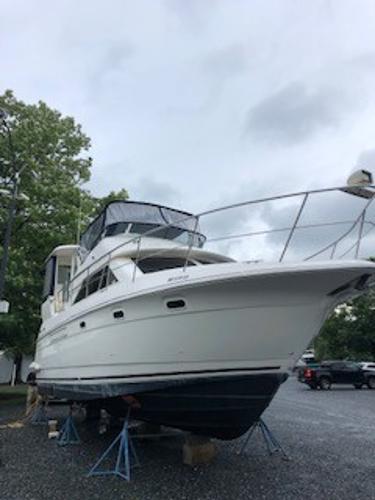 Cruisers Yachts 375 Motoryacht