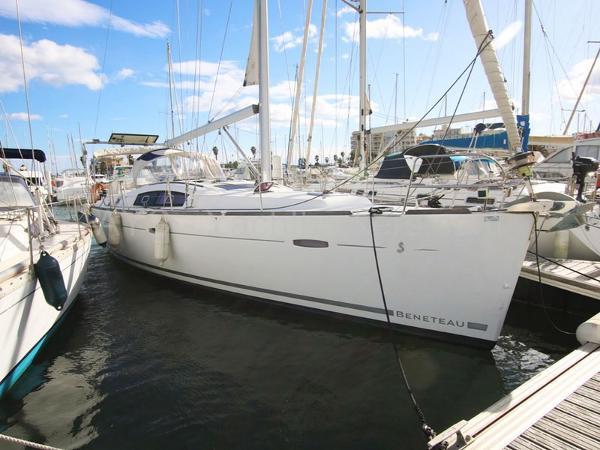 Beneteau Oceanis 43 AYC Yachtbrokers - Oceanis 43