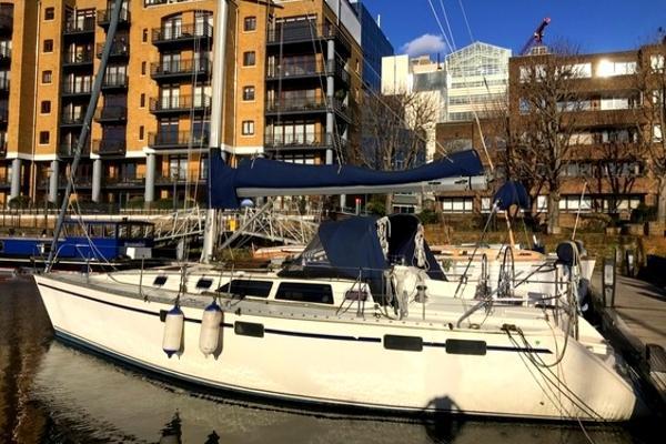 Legend 37.5 Legend 37.5 Yacht on Zone 1 London mooring