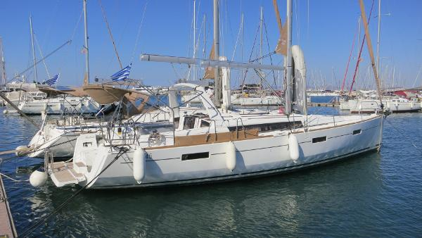 Beneteau Oceanis 45 Beneteau Oceanis 45 for sale by Alvea Yachts