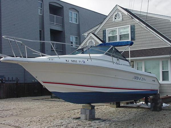 Sea Ray Laguna 24 Flushdeck Cuddy