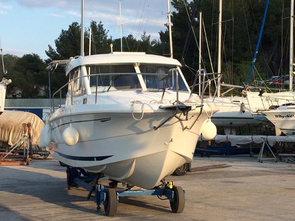 Beneteau Antares 750