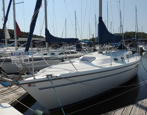 Catalina 36 MkII Port Bow