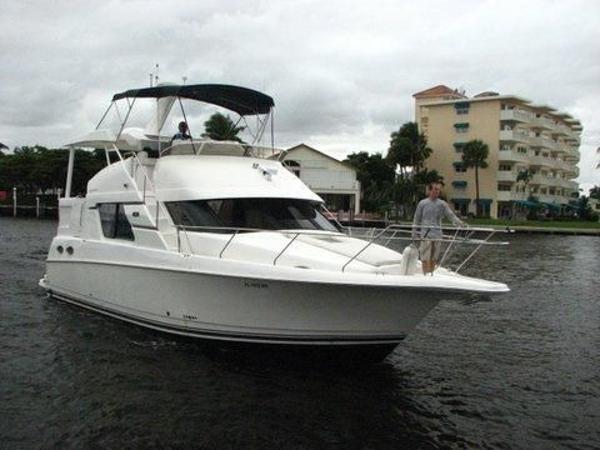 Silverton 372 Motor Yacht Silverton 372 Aft Cabin SeaBreeze III