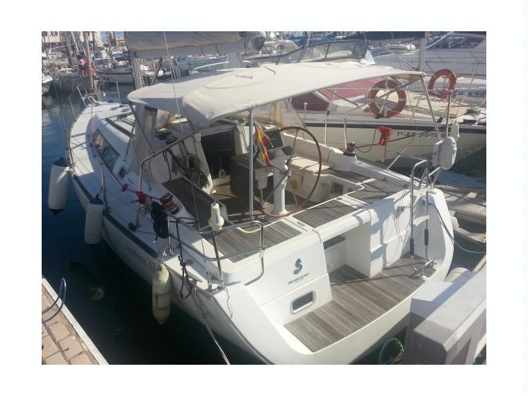 Beneteau Beneteau Oceanis 37 AIRE ACOND Y 92 h motor