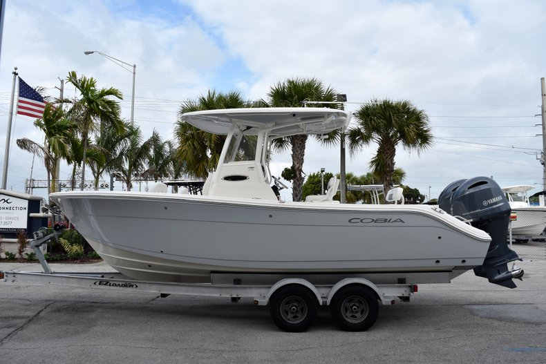 Cobia 240 CC Center Console