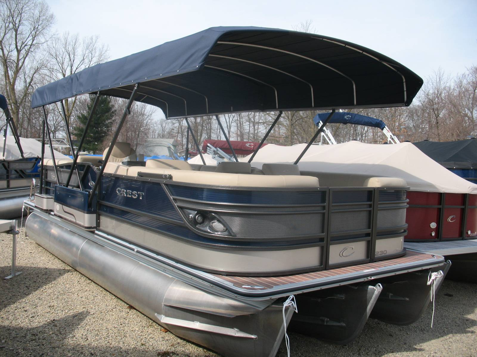 Boat Cover Selection Guide. Most of us have seen that boat at the marina or on a trailer in someone's yard that, although it's only a few years old, has faded upholstery, dry and cracking wood brightwork, mildewed gelcoat and smells like a musty locker room.