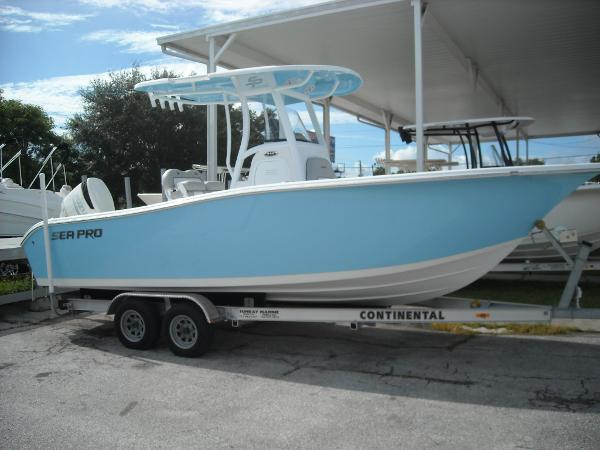 Sea Pro 239 Center Console