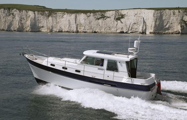 Manufacturer Provided Image: Hardy Commander 32