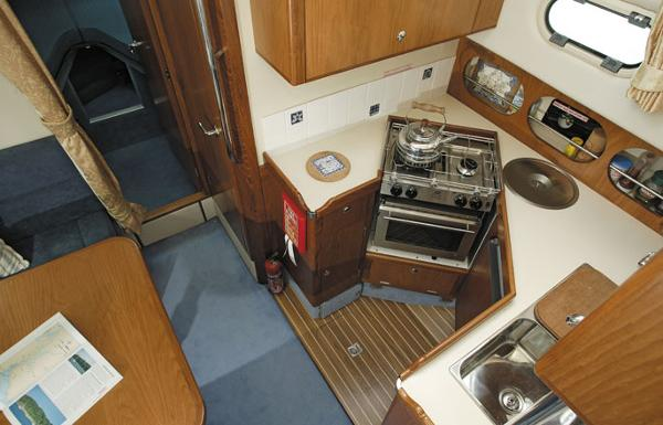 Manufacturer Provided Image: Hardy Commander 32 Galley
