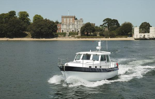 Manufacturer Provided Image: Hardy Commander 32 Cruising