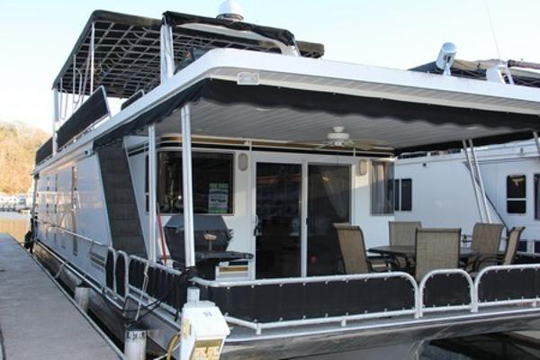 Lakeview Yachts 16' x 65' Widebody