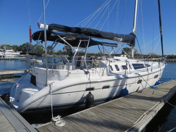 Hunter 410 Dock Side - Stbd