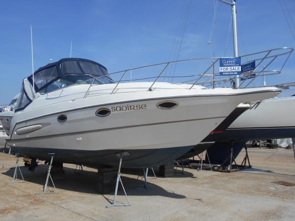 Maxum 2800 SCR Ashore