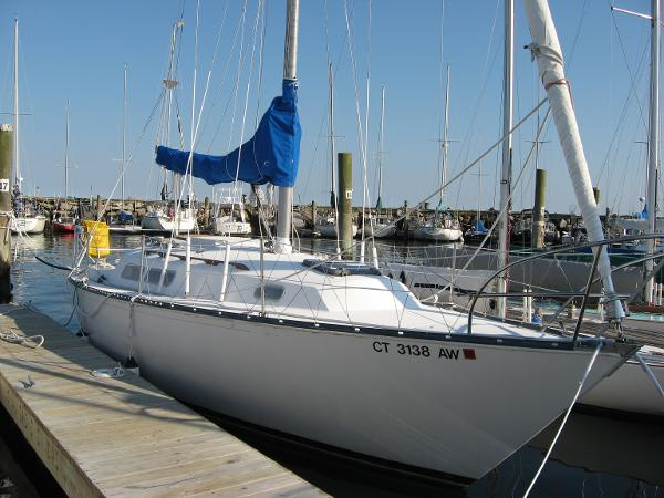 C&C 29 Starboard Bow