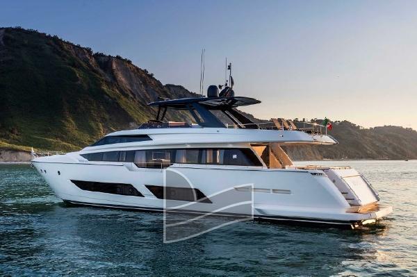 Ferretti Yachts 850 6652651_20180320070159819_1_XLARGE