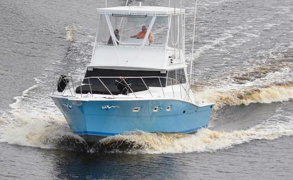 Viking 40 Flybridge Sport Fisher Underway