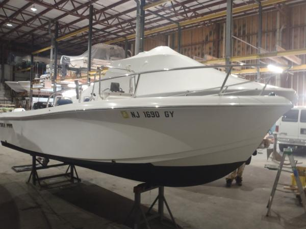 Sea Pro 186 Center Console