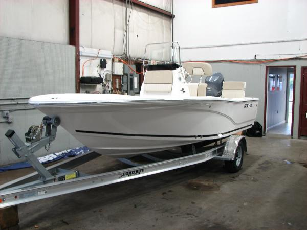Sea Fox 180 Viper Port Bow