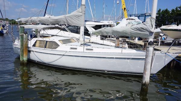 Freedom Yachts PH Schooner Freedom 39 Pilothouse