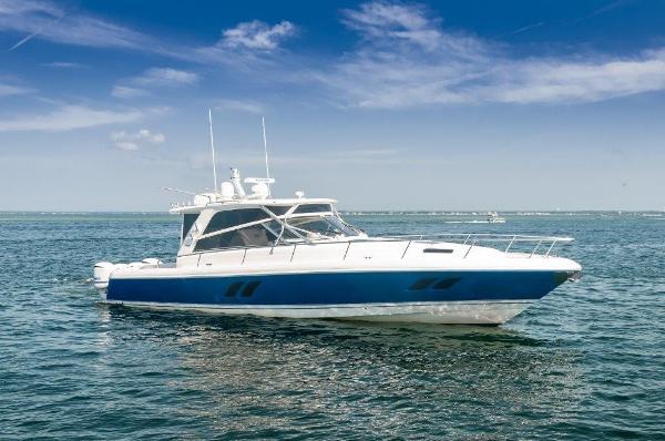 Intrepid 47 Sport Yacht Starboard Profile