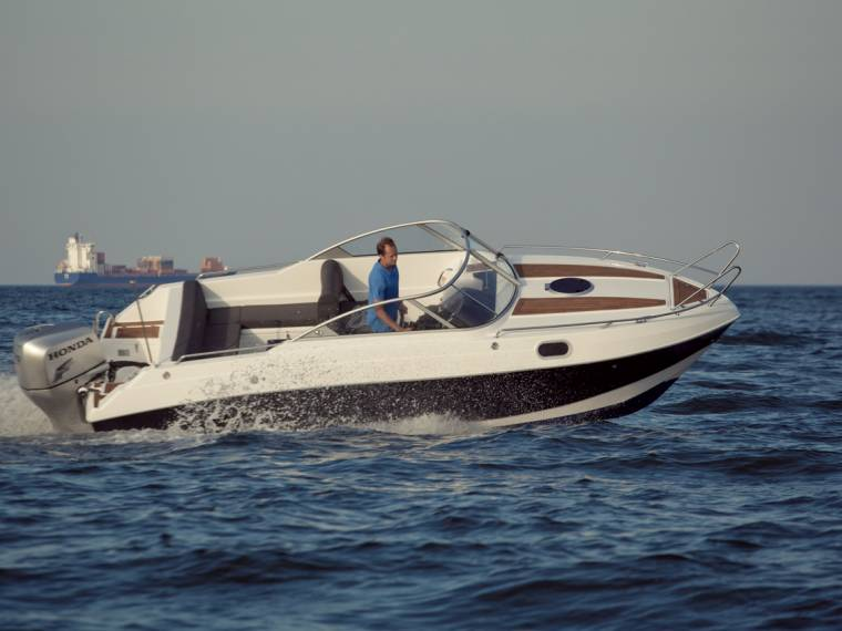 Admiral Boats Oceanmaster 660 DC