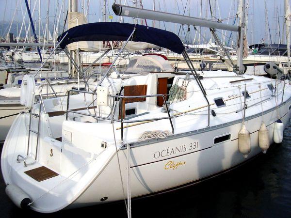 Beneteau Oceanis Clipper 331 Photo 1