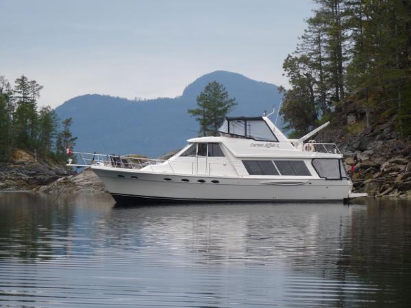 Meridian 490 Pilothouse at anchor