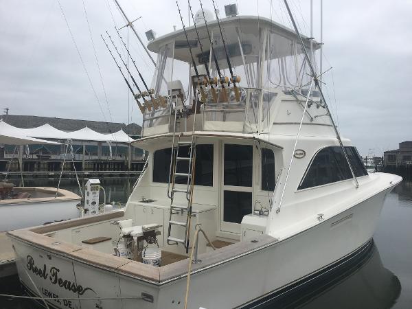 Ocean Yachts Super Sport Profile