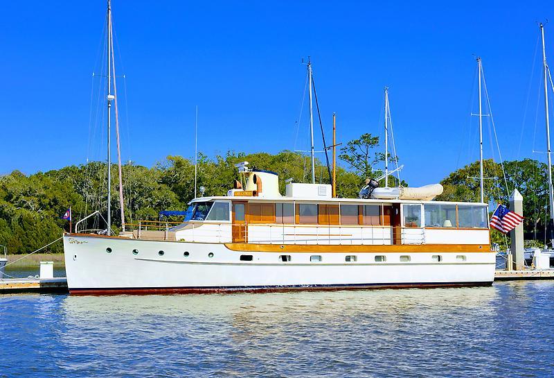 Trumpy Houseboat