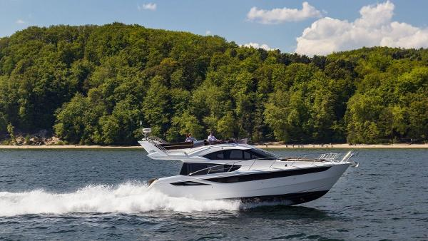 Galeon 420 Fly esterno 420_MG_3171_preview
