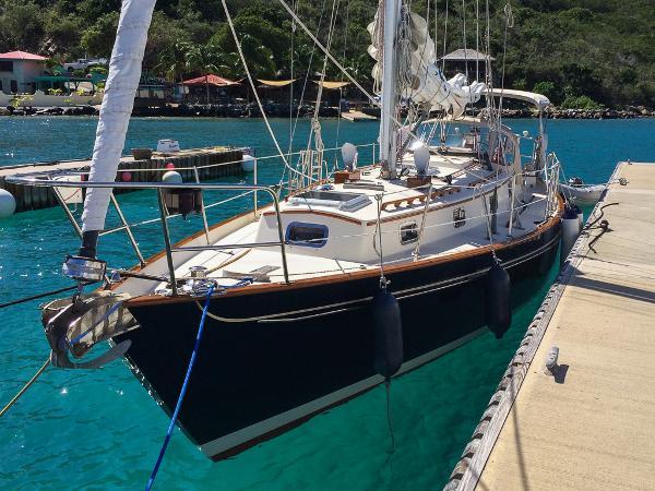 Morris Yachts 38