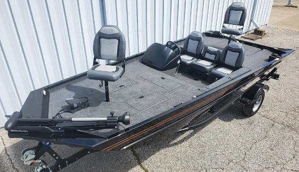 Lowe RX18 Legacy
