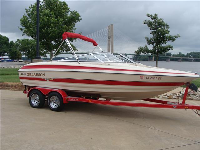 Larson Sport Boats LSi 212