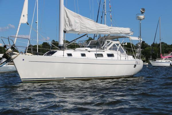 Freedom Yachts 35 PING