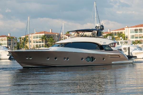 Monte Carlo Yachts MCY 76 Theo Sofia