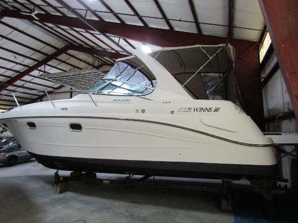 Four Winns 328 Vista Exterior Profile