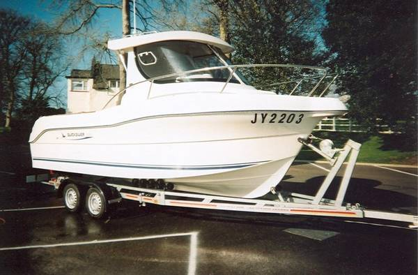 Quicksilver 630 Pilothouse Photo 1