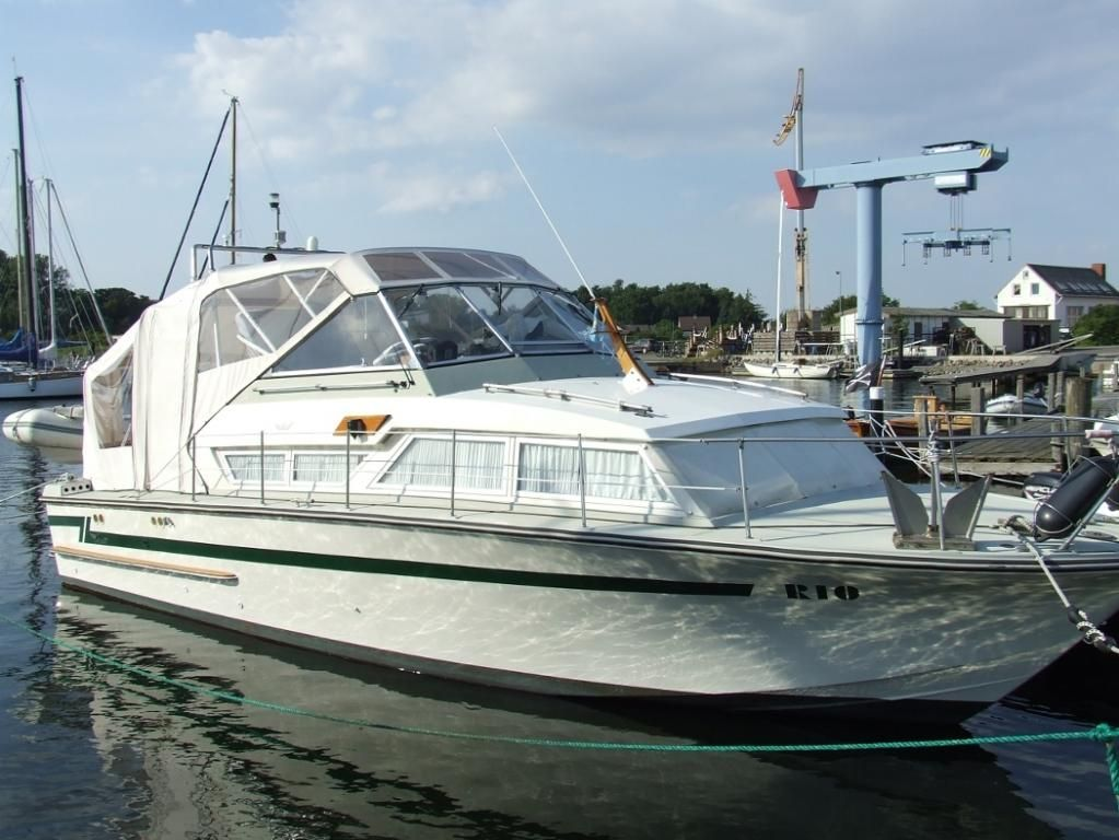 Coronet 32 Commander