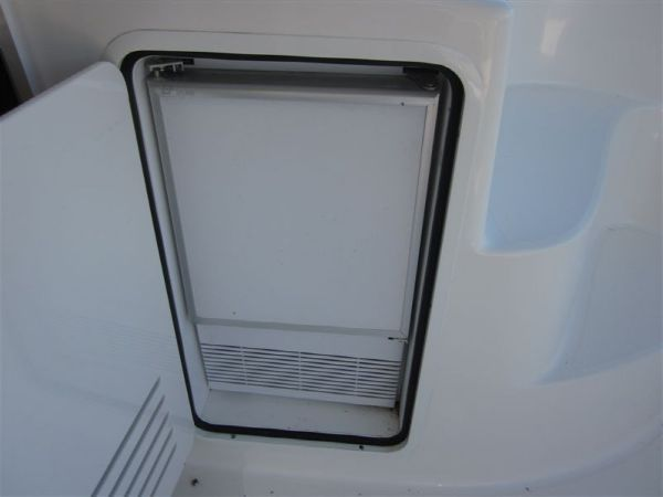 Cockpit Ice Maker