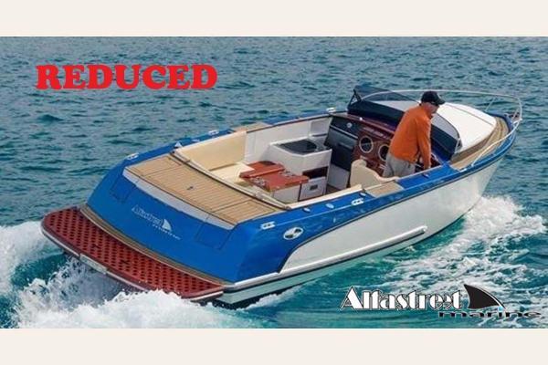 Alfastreet Marine 23s cabin