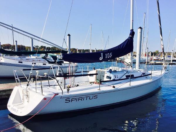 J Boats J/105 Profile
